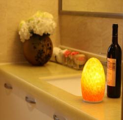 china handblown glass energy saving rechargeable led wireless egg shape bluetooth control lamp proveedor