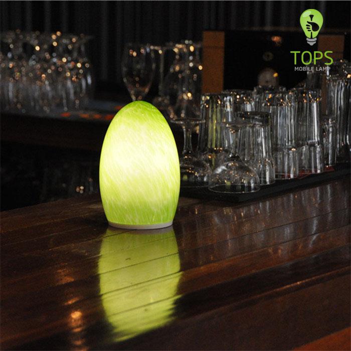 china Tops Iluminación Verde Color de 60 horas de tiempo de iluminación LED Lámpara de mesa Bluetooth proveedor