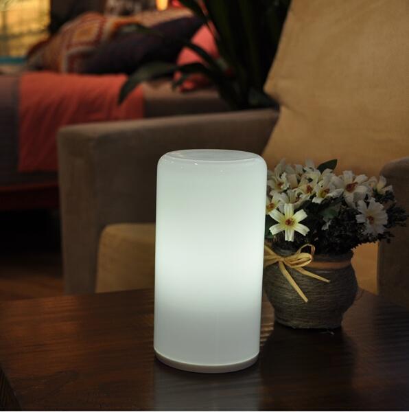 china     New levou produtos Recharg sem fio leitura lâmpada mesa restaurante levou velas    fornecedor